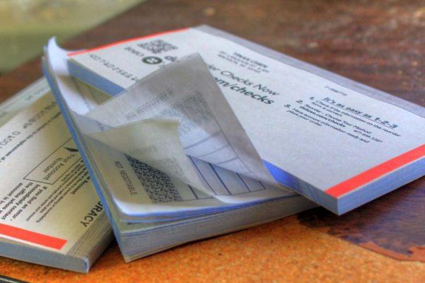 Come controllare un assegno